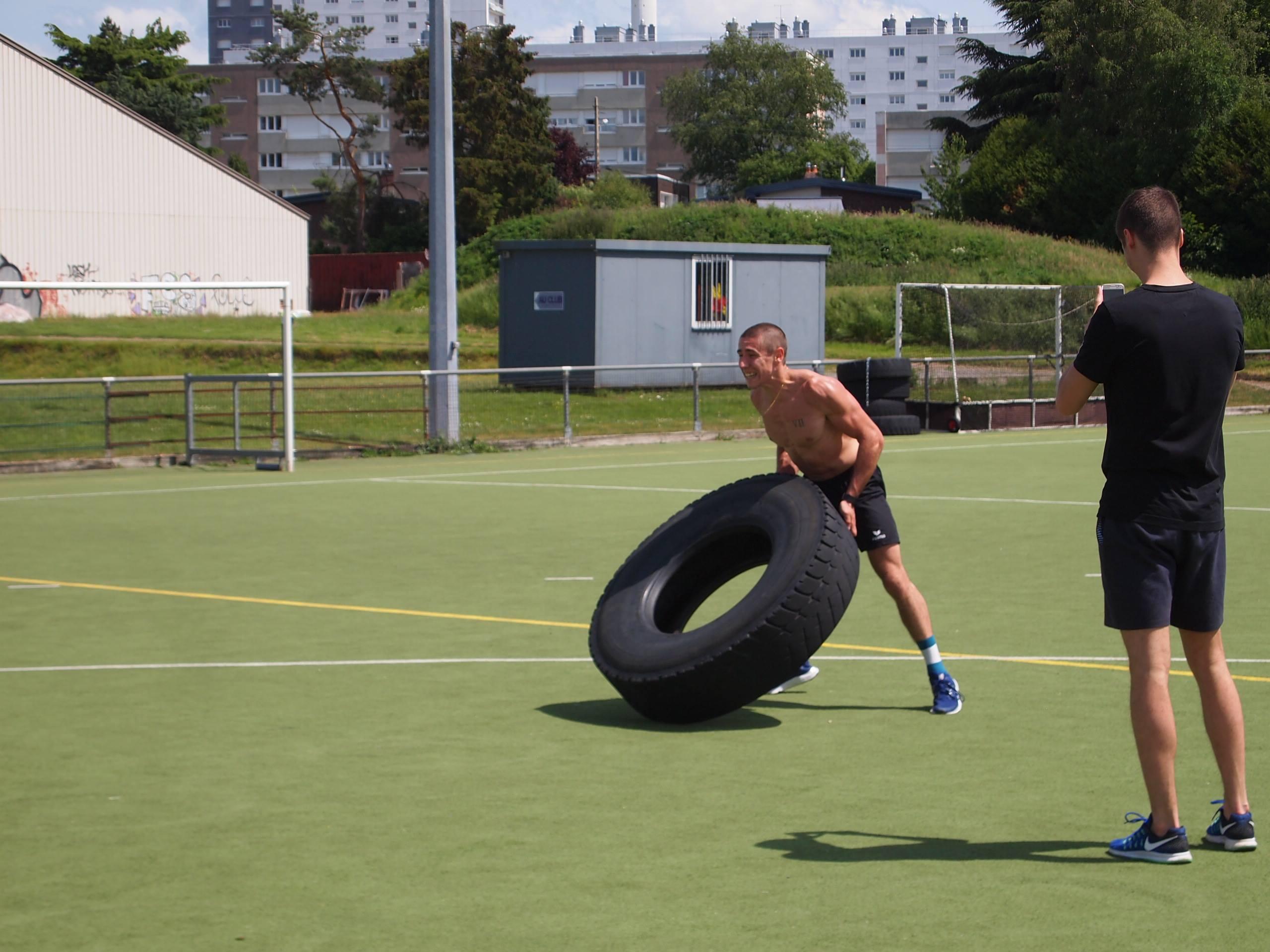 soulevé de pneu cross training